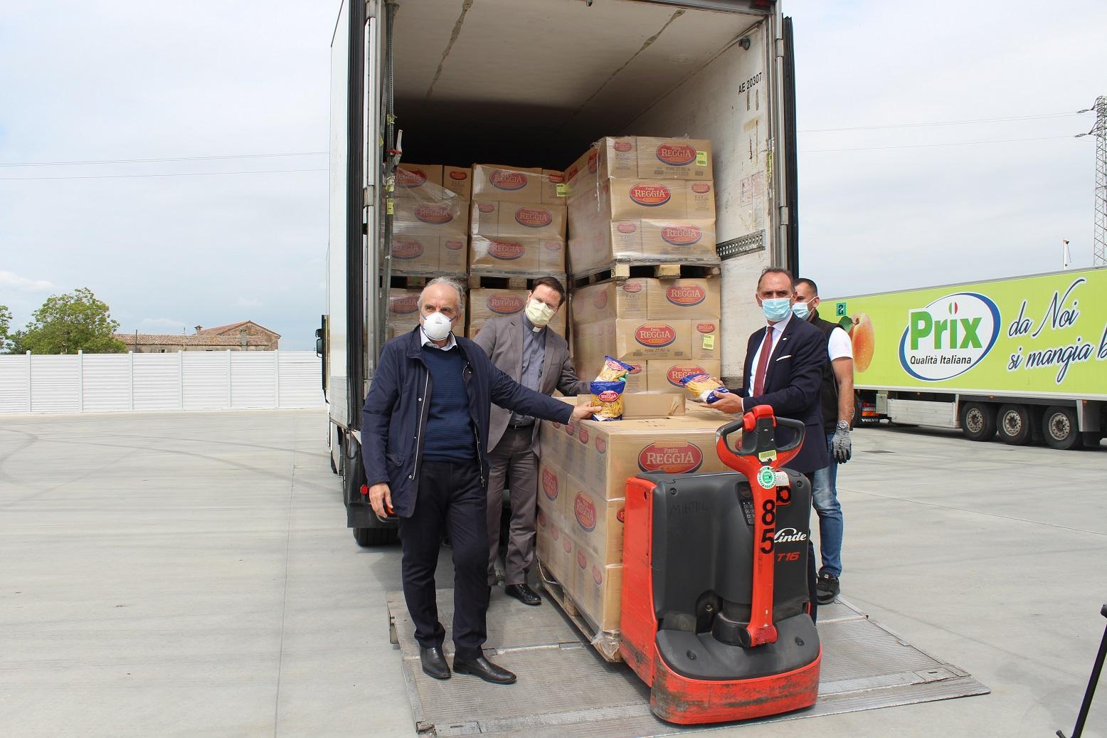 Prix dona 400 quintali di pasta a Caritas per le famiglie in difficoltà
