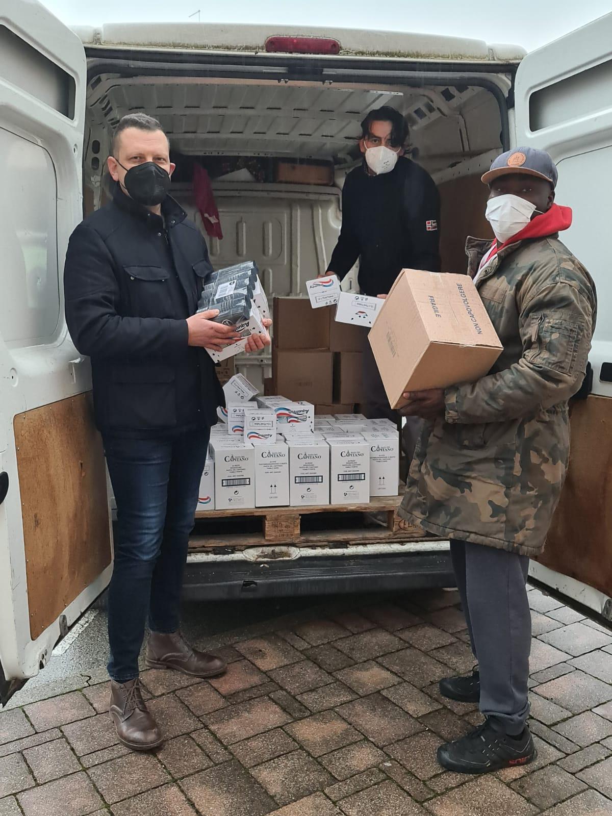 ACLI Vicenza dona a Caritas prodotti per l'igiene personale a favore delle persone senza dimora