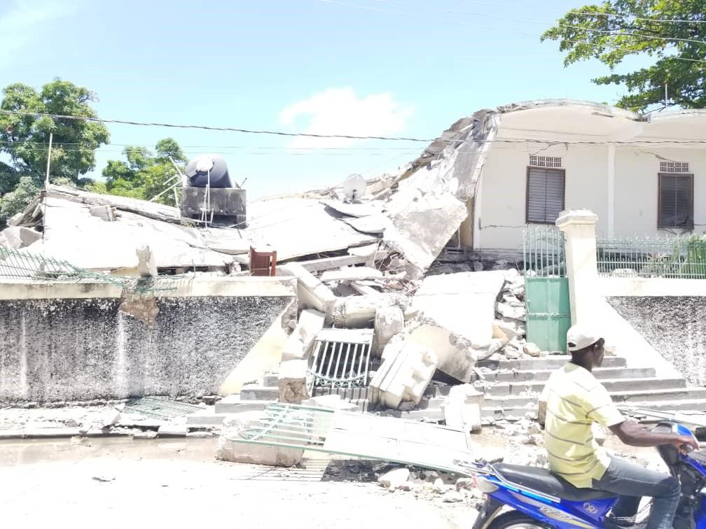 Haiti: si aggrava il bilancio del terremoto. Gli aiuti avviati e come sostenerli